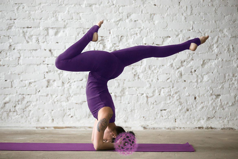 esercizi yoga settimo chakra